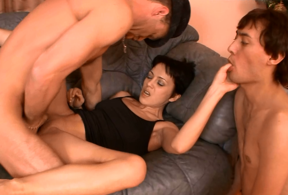 Порно бисексуалы измена мужу